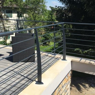 Garde corps terrasse acier design en kit 6 lisses et main courante
