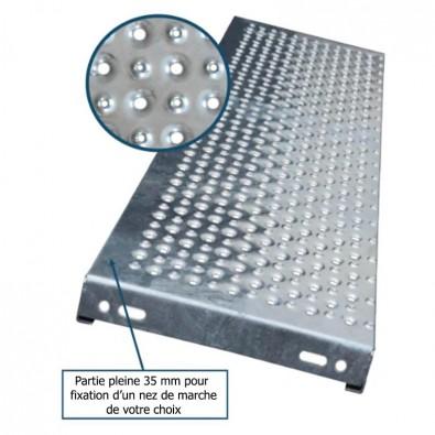 Marche escalier acier à picots antidérapants et petites perforations 900 x 330 mm galvanisée