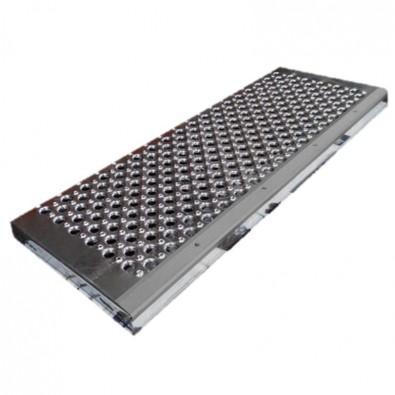 Marche acier à picots et grandes perforations 900 x 330 mm nez de marche antidérapant ALU NATUREL